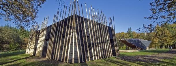 Ontvangstpaviljoen met Nederlands hout