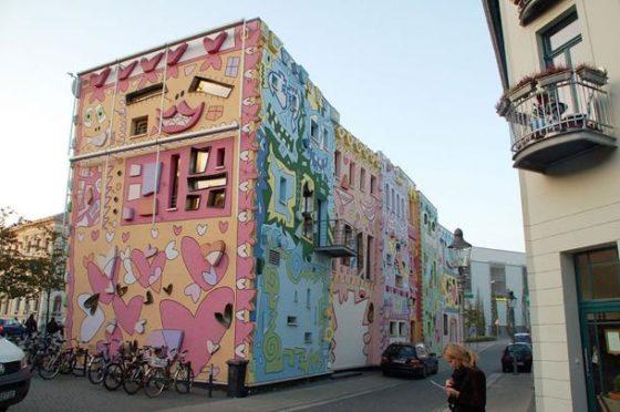 Psychidelische cartoon architectuur 4 560x372