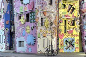 Psychidelische cartoon architectuur
