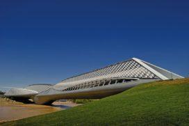 Paviljoenbrug Expo2008 in Zaragoza door Zaha Hadid