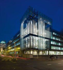 Ministerie van Financiën in Den Haag door Meyer en Van Schooten Architecten