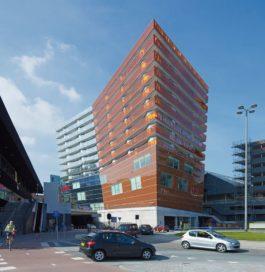 Winkel- en woongebouw in Almere  door Gigon/Guyer architecten