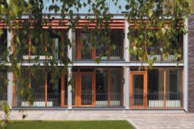 Wooncomplex voor ouderen in De Rips door Architectenbureau De Twee Snoeken