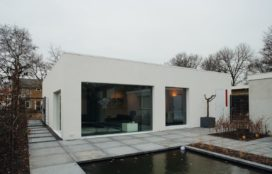 Woonhuis Van Anholt in Bergen door De Vries Uitterhoeve architecten