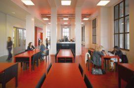 Singelgrachtgebouw in Amsterdam door OIII architecten