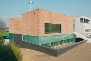 Tandartsenpraktijk en woning in Scherpenheuvel door Bart Coenen