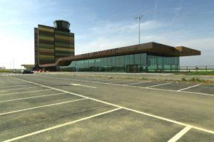 luchthaventerminal Lleida-Alguaire door Fermín Vázquez • b720