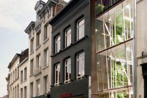 Bedrijfspand in Antwerpen door import.export Architecture