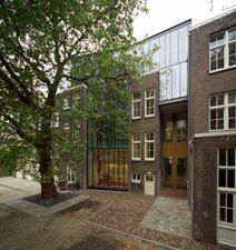 Bedrijfsverzamelgebouw Rombout Hogerbeetsstraat te Amsterdam