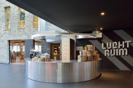 Kantoorgebouw Luchtruim Eindhoven door Mulderblauw Architecten