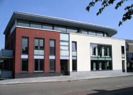 Nieuwbouw kapsalon en vier appartementen