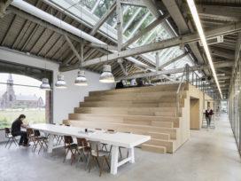 Houtloods in Tilburg door Bedaux de Brouwer Architecten