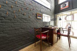 Backstay Hostel in Gent door A154, Nele Van Damme en Yannick Baeyens