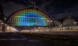 Amsterdam CS heeft lichtkunstwerk