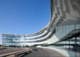 Kantoor in de duinen voor BP Raffinaderij Rotterdam Europoort
