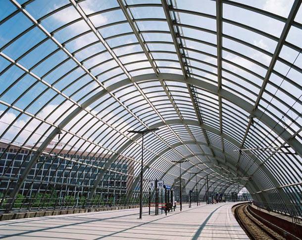 Winnaar Staalbouwprijs 2010: Stationsoverkapping Amsterdam-Sloterdijk