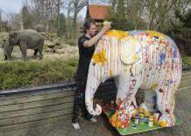 Kunststof olifanten uit centrum Emmen verwijderd