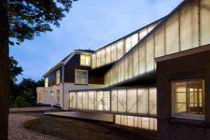 Nationaal Glasmuseum in Leerdam door Bureau SLA