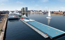 Antwerpse badboot te water