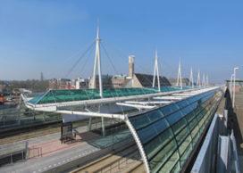 Nieuwe stations Houten geopend