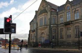Nieuwbouw en renovatie theater Oldham