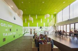 Harmpje Visserschool in Urk door SVP Architectuur en Stedenbouw