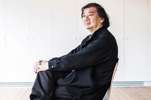Shigeru Ban - opinie dresscode zwart