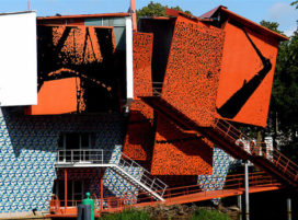 Over betrokkenheid – Modernisme gestruikeld en ontluisterd