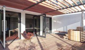 Bovenwoning met dakterras in Woerden door Serge Schoemaker Architects