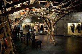 l'Eclaireur in Parijs door Studio Arne Quinze