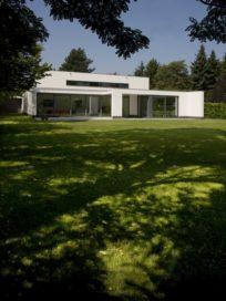 Villa JL, Bunde-Kasen