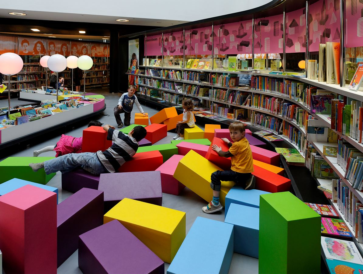 Almere Bibliotheek Concrete