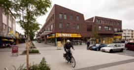 Woon/winkelcentrum Het Schip in Klazienaveen