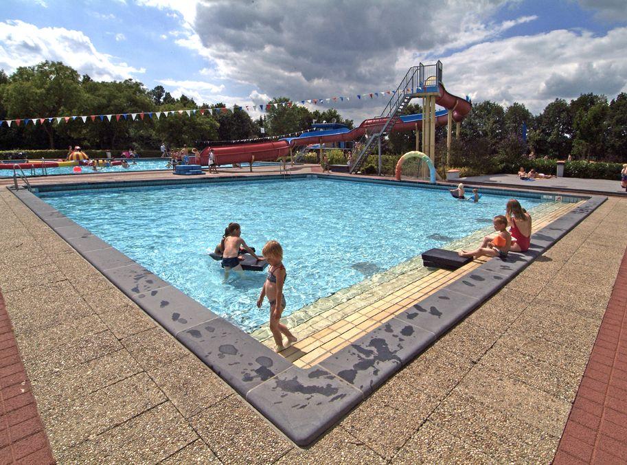 Openlucht zwembad sprang capelle de architect