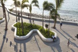 El Malecón door West 8