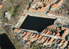 Water bouwput Middelburgs theater in mei weg