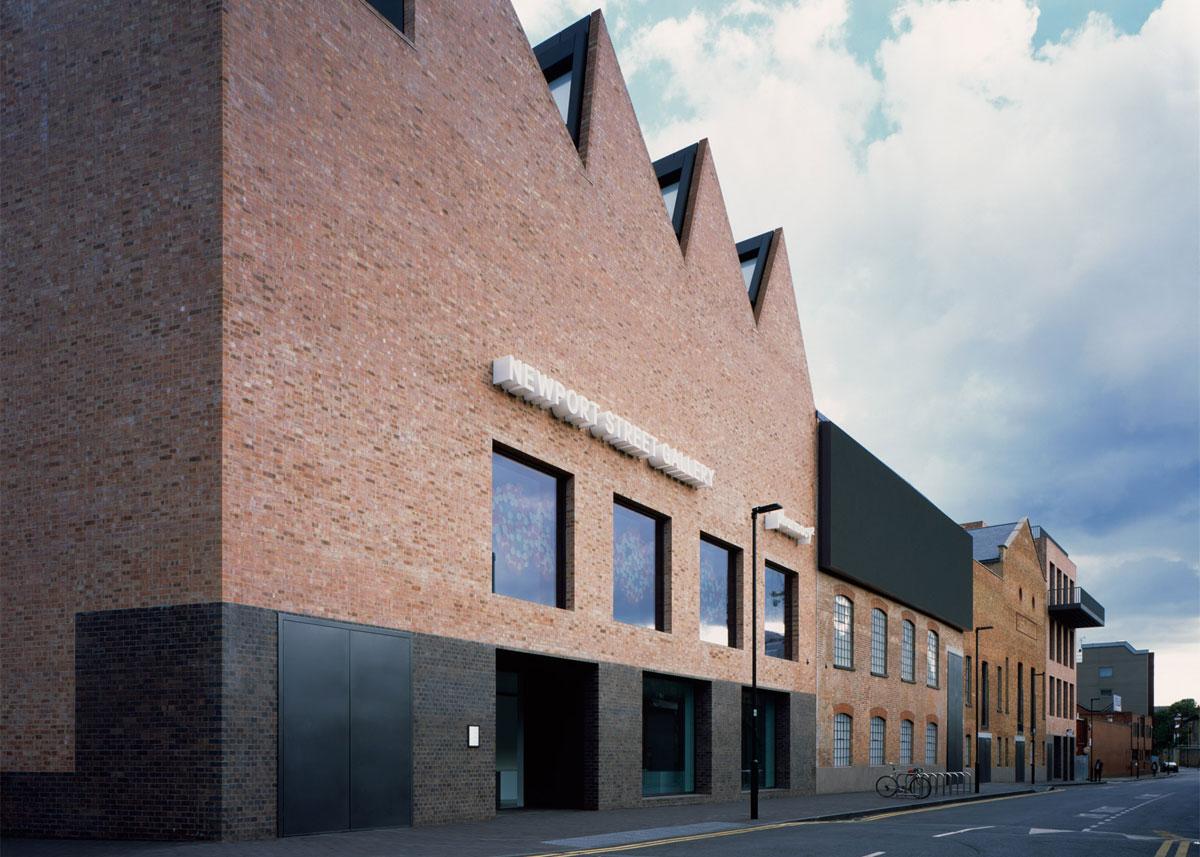 Newport Street Gallery door Caruso St John. Foto Hélène Binet