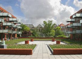 Hertoginnehof: hoofdgebouw + 2 stadswoningen