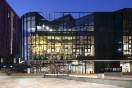 HOME cultuurcentrum door Mecanoo in Manchester