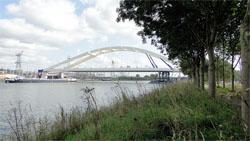 Oostelijke toegangsweg Amsterdam geopend