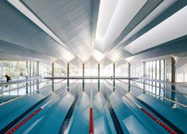 Zwembad in Orense (ES) door Francisco Mangado