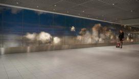Honderd meter lang kunstwerk Roosegaarde op Schiphol