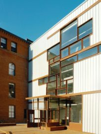 Higgins Hall in New York door Steven Holl Architects