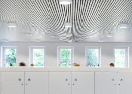 Akoestisch plafond als thermische geleider