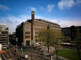 The Bank in Amsterdam door Rijnboutt