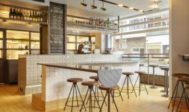 Viscafé de Gouden Hoek in Amsterdam door Studio Modijefsky