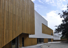 School 't Hofke genomineerd voor twee internationale prijzen