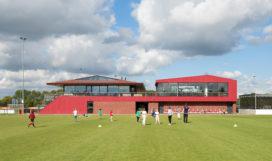 Rode uitbreiding clubhuis Rotterdamsche Cricket- en Voetbalvereeniging V.O.C.