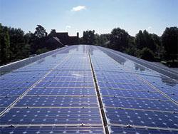 TU Delft krijgt 4500 zonnepanelen op daken van campus