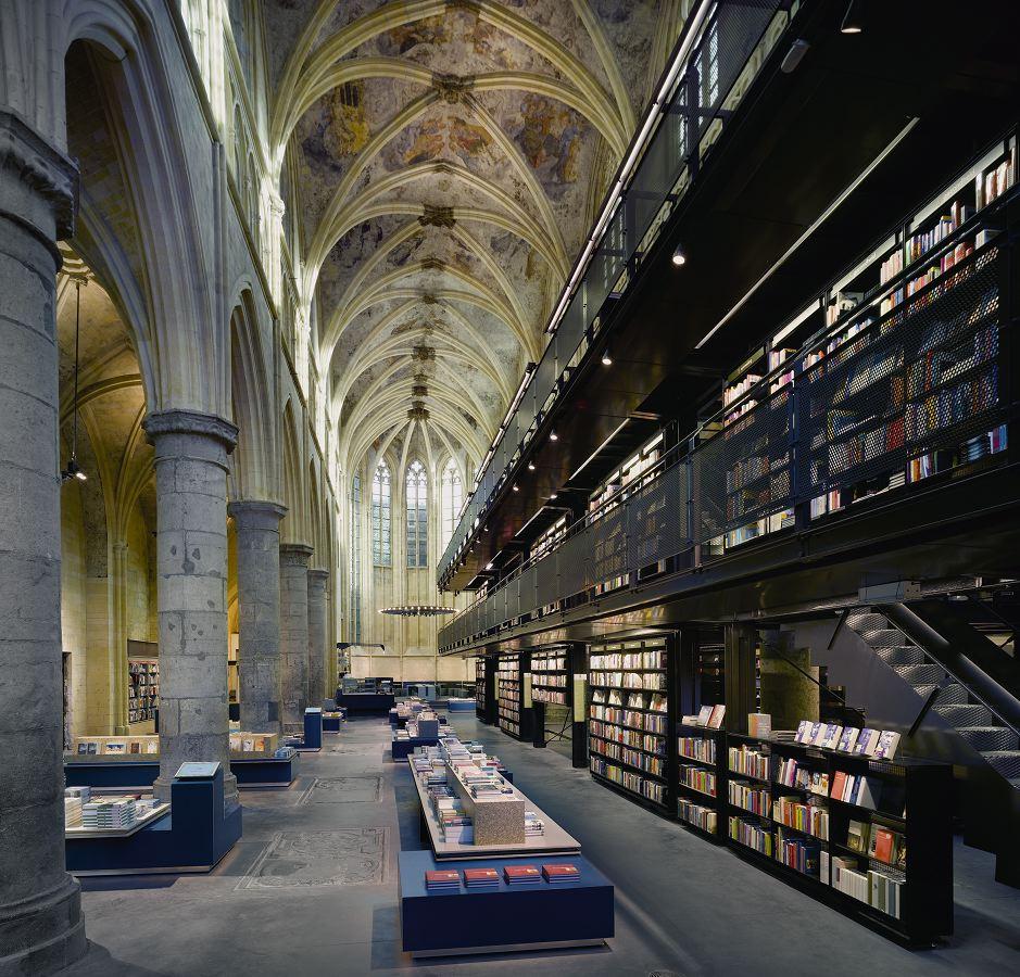 Boekhandel Selexyz in Maastricht door Merkx en Girod architecten, beeld Roos Alderhoff